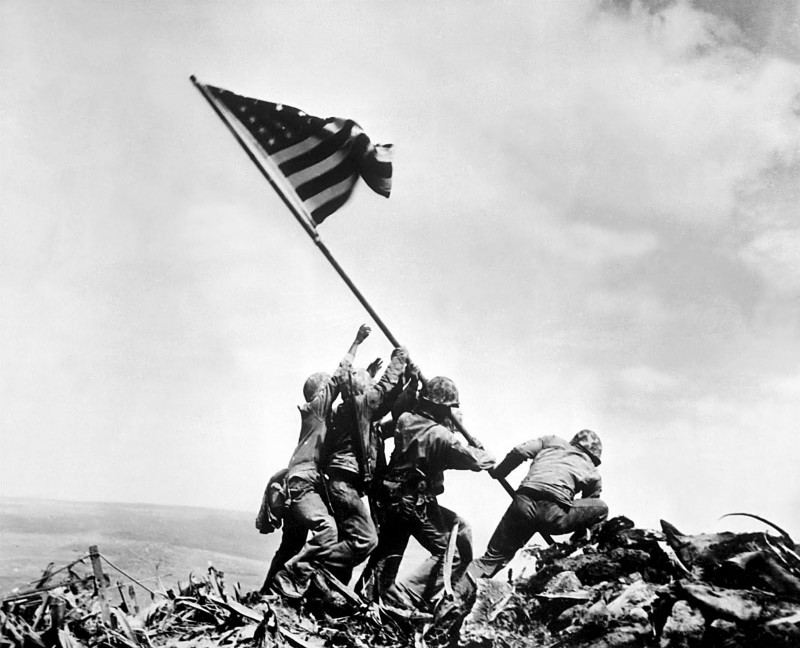 Raising-the-Flag-on-Iwo-Jima