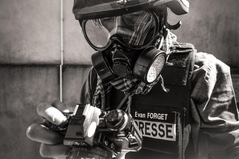 Masque à gaz et lunette que j'utilise.