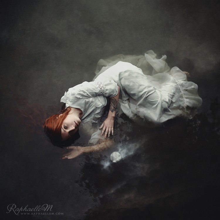 Raphaelle-Monvoisin--Touch-of-a-Light