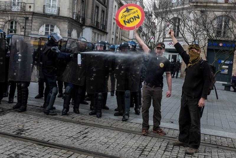 Acte gratuit des forces de l'ordre / Nantes - Février 2014
